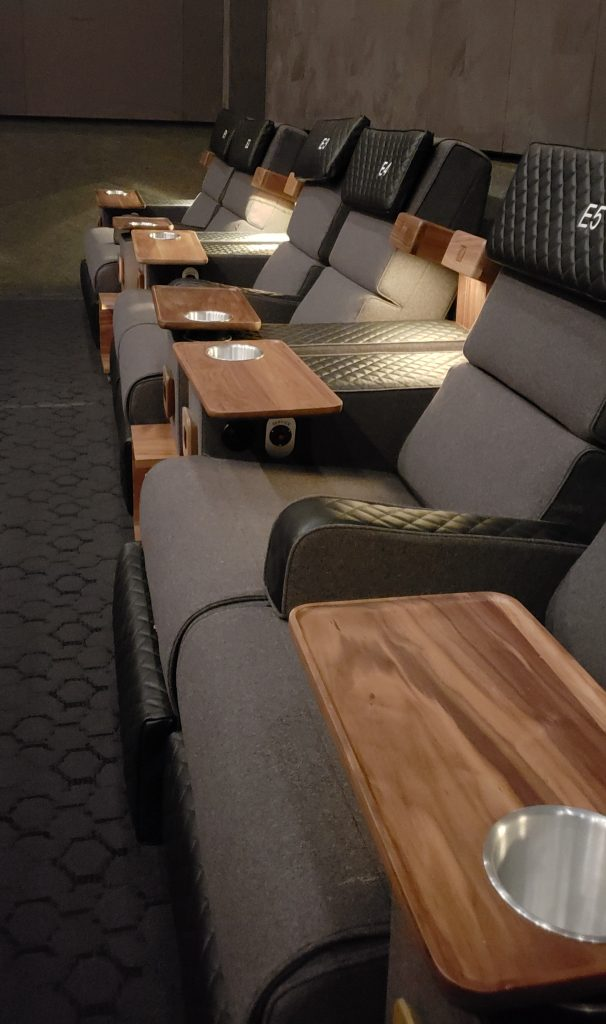 The Ultimate Luxury Dine In Theater Experience Cmx - 7 1 Soundsystem
