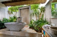 Luxury Bathrooms: Top 20 stunning outdoor bathrooms (Part 1)