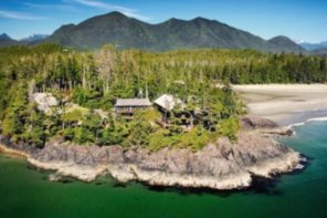 Middle Beach Lodge In Tofino