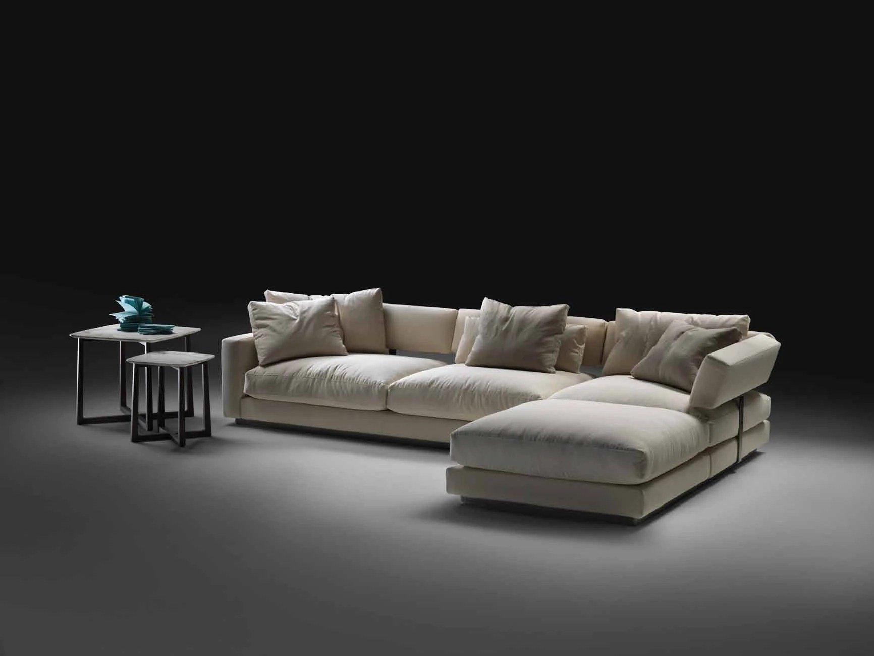 Modular Corner Sofa Upholstered In Leather Or Fabric Pleasure Flexform Luxury Furniture Mr