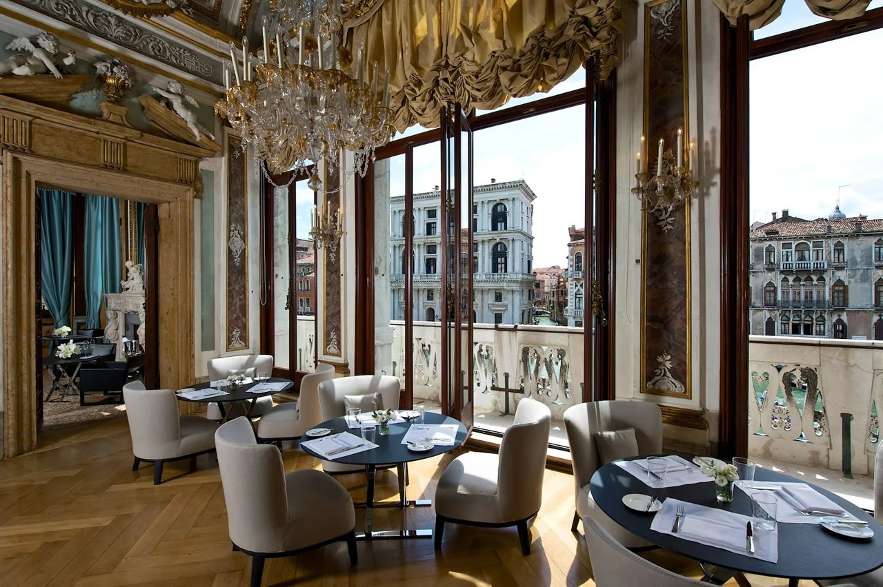 11 most expensive luxury hotels around the world