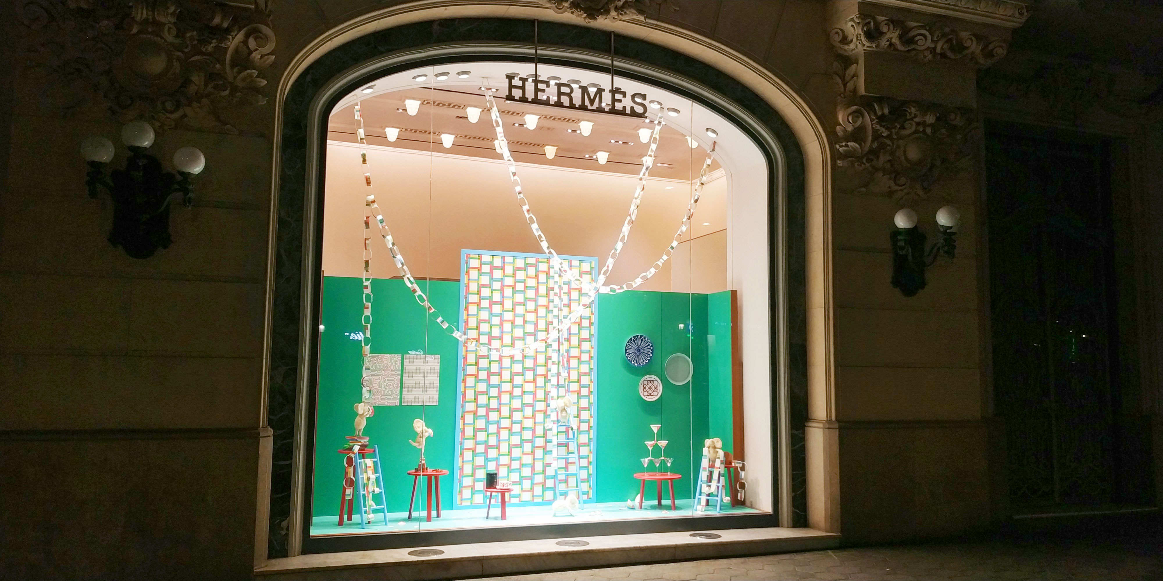 Escaparates Escaparates De Navidad De Hermès Spain By Instore Luxury Retail