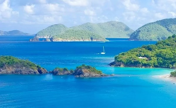 Explore and Dive the Virgin Islands on a Private Yacht Charter