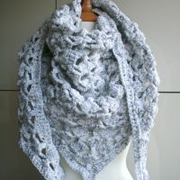 Still! winter triangle crochet pattern