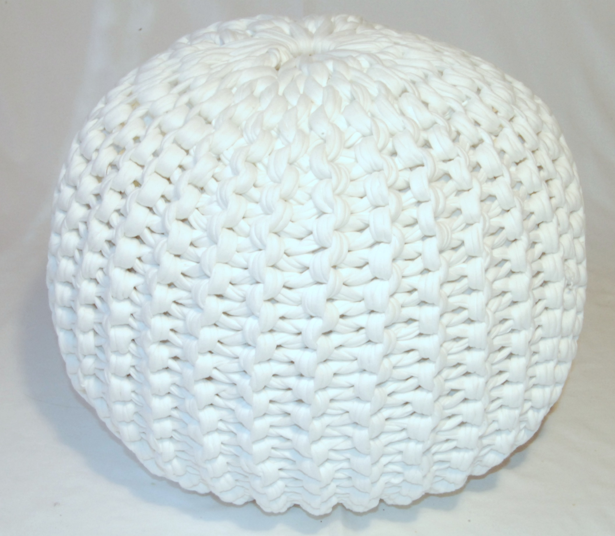 Here i will show you how the knitted pouf is made