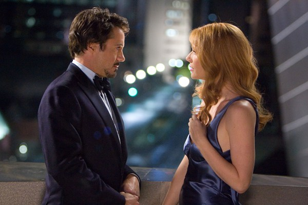 iron-man-movie-2008-robert-downey-jr-and-gwyneth-paltrow