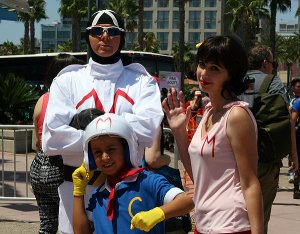 sdcc2014 cosplay racer x speed racer and mom racer