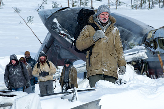 thegrey movie picture - liam neeson after plane crash