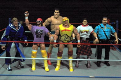 Hulk Hogan Defining Moments figure - Hogan and his allies