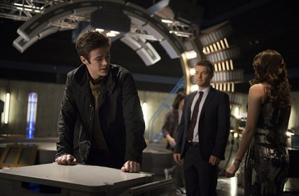 The Flash - The Trap - Barry, Eddie and Caitlin