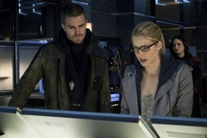 Arrow - My Name is Oliver Queen - Arrow, Felicity and Nyssa