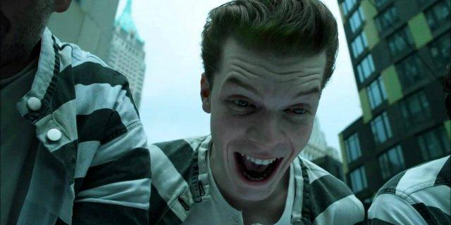 Gotham Ep 2 - Knock Knock -maniax-jerome-camerone-monaghan