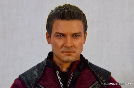 Hawkeye Hot Toys Avengers Age of Ultron - front close up