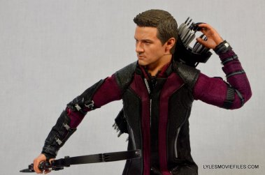 Hawkeye Hot Toys Avengers Age of Ultron - reaching for arrow