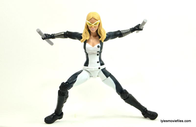 Marvel Legends Mockingbird figure review - battle ready