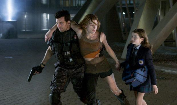 resident-evil-apocalypse-review -carlos and alice
