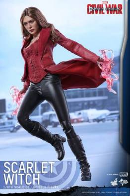 Hot Toys Scarlet Witch figure -levitating