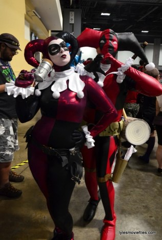 Awesome Con cosplay Day 2 -Harley Quinn and Deadpool