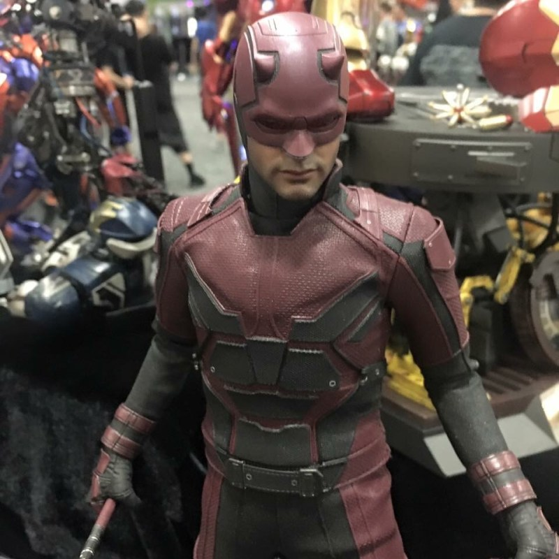 Hot Toys Netflix Daredevil - top down