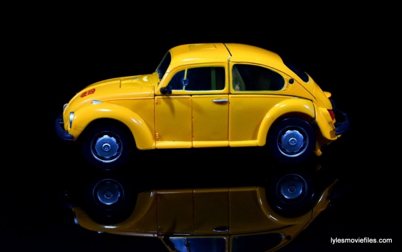 Transformers Masterpiece Bumblebee review -auto mode left side main