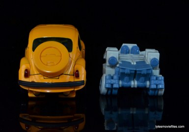 Transformers Masterpiece Bumblebee review - auto mode with Spike transformed
