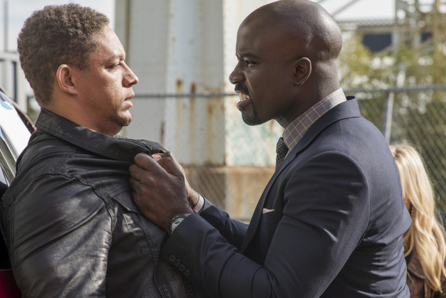 luke-cage-just-to-get-a-rep-cage-threatening-goon