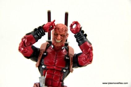 marvel-legends-deadpool-figure-review-alternate-head-sculpt
