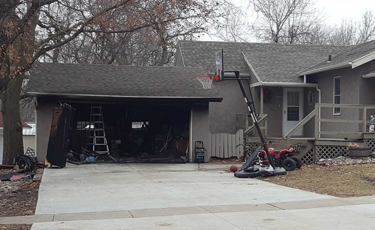 Garage Lyon Rock Rapids Garage Contents Damaged In Fire Lyon County Daily News