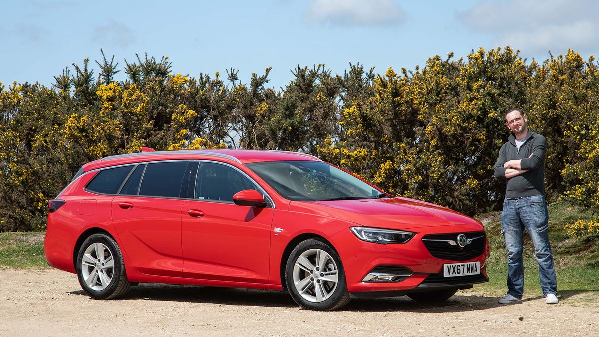 Vauxhall Insignia 2018 Living With A Vauxhall Insignia Sports Tourer Auto Trader Uk