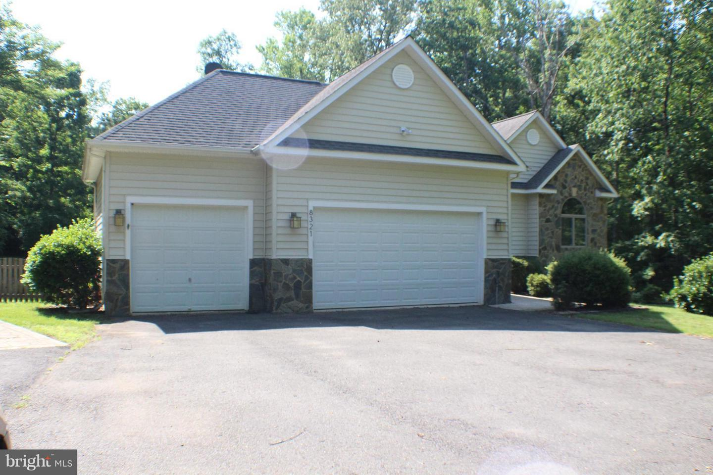 Garage For Rent Fredericksburg Va 8321 Canteen Cir Fredericksburg Va 22407 Mls 1001579592 Coldwell Banker