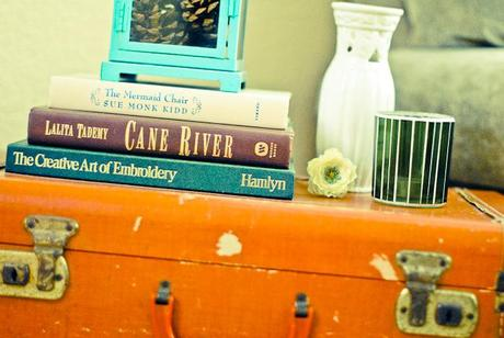 Decorating With Books. - Paperblog