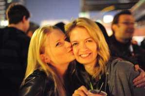 Nicole Wopperer, Sarah Harrison