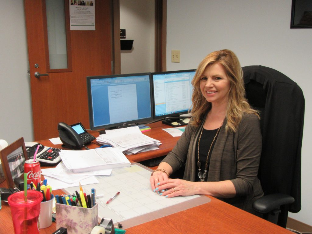 Administrative Assistant Congratulations To The Employee Of The Month Laura Welsh Finance