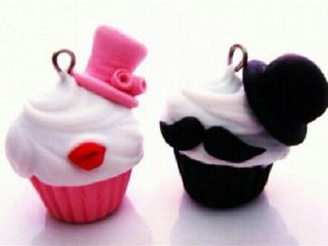 gentleman-lady-cupcakes-hat-moustache-Favim.com-510892