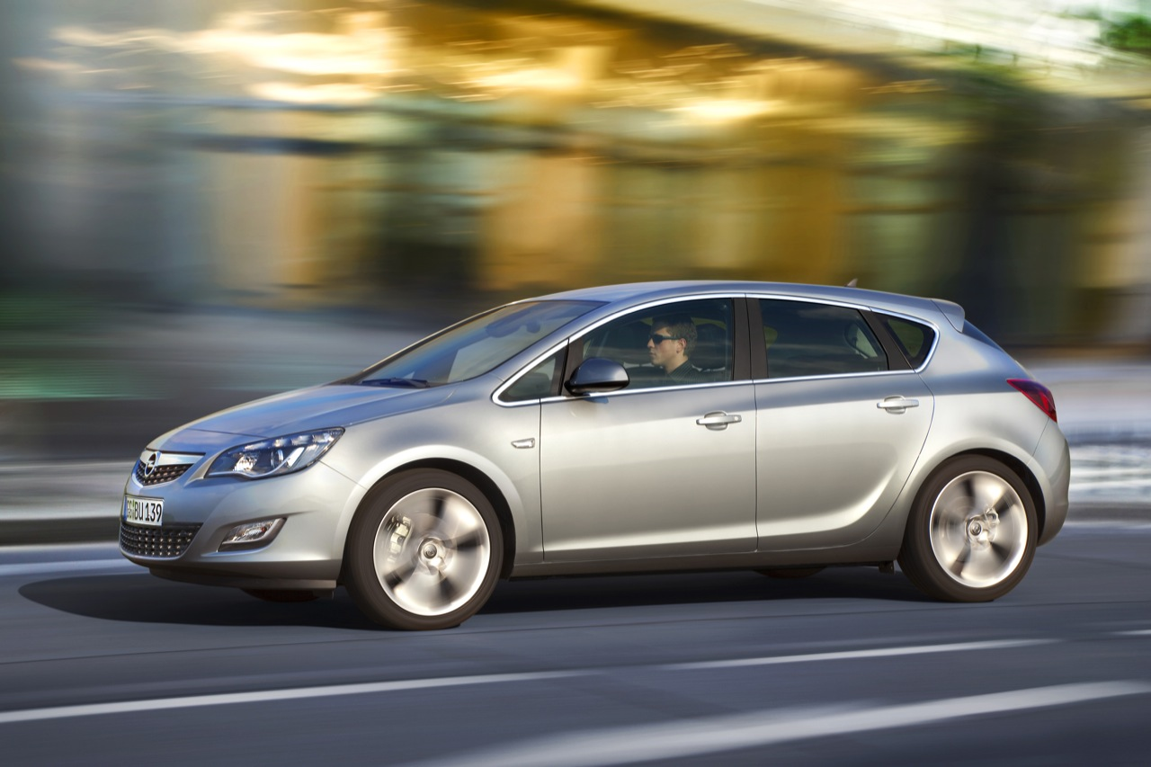 Opel Astra 2011 Opel Astra Sports Coupe Photos Price Reviews
