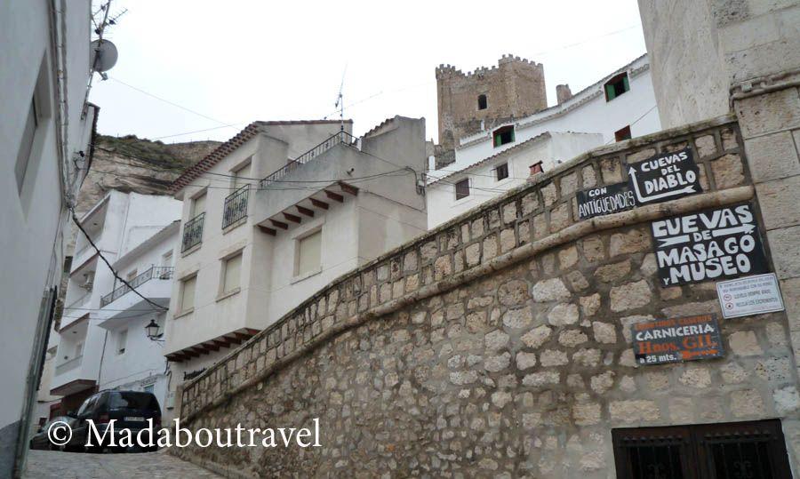 Vista del castillo de Alcalá del Júcar