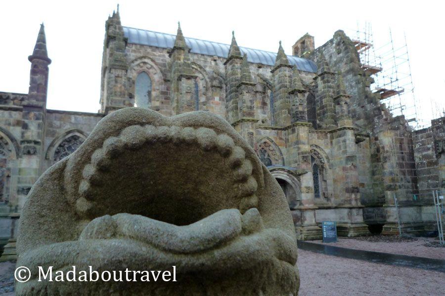 Cabeza de Gárgola frente a la capilla de Rosslyn