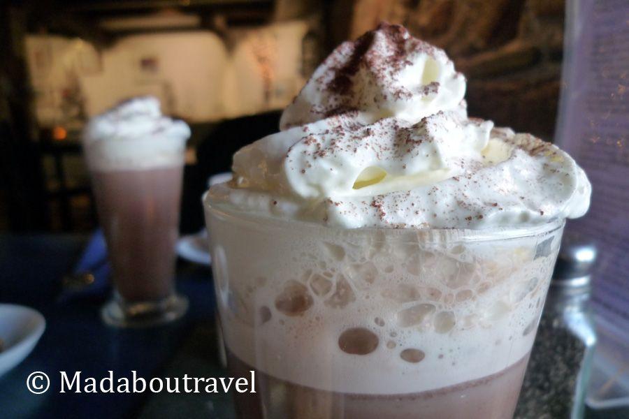 Chocolate caliente en Crail Harbour Gallery and Tearoom
