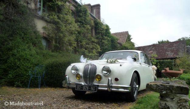 Jaguar vintage en el Manoir des Prévanches, Boisset-les-Prevanches