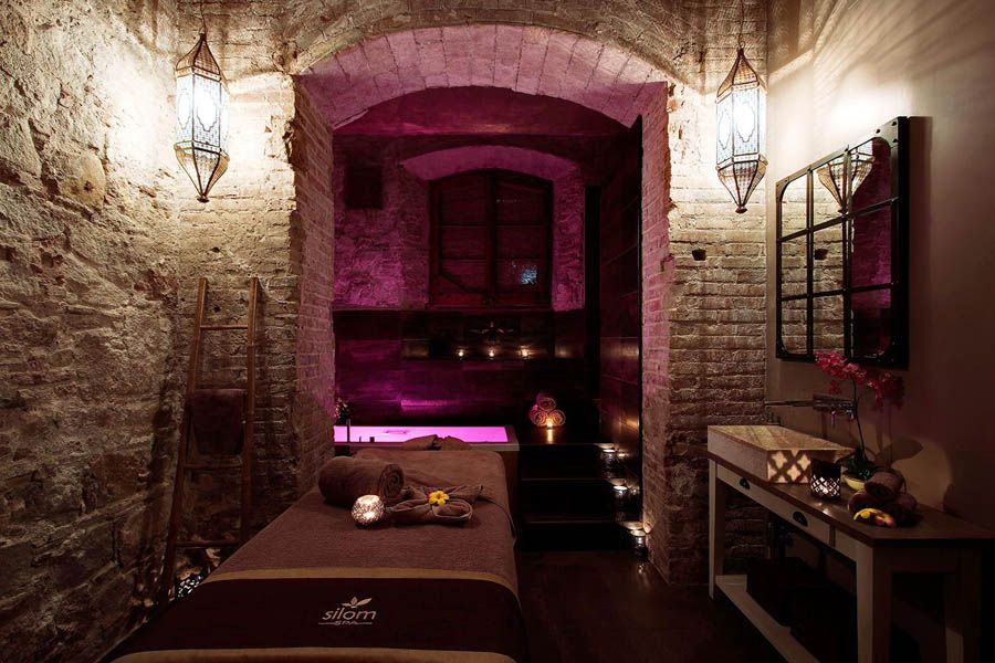 Sala de jacuzzi en Silom Spa