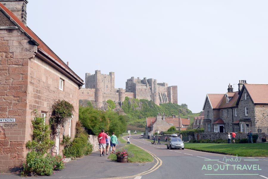 El castillo de Bamburgh, una fortaleza espectacular en el norte de Inglaterra