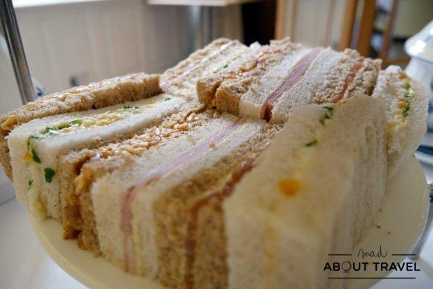 Sandwiches del afternoon tea en el Scotsman Hotel