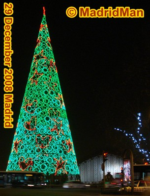 Madrid Christmas Lights Longest Chritmas Light time in the world - simple christmas tree decorating ideas