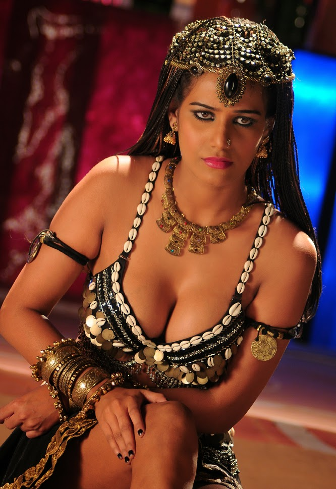Santabanta Wallpapers Hd 2016 Poonam Pandey Hot Pics Hd