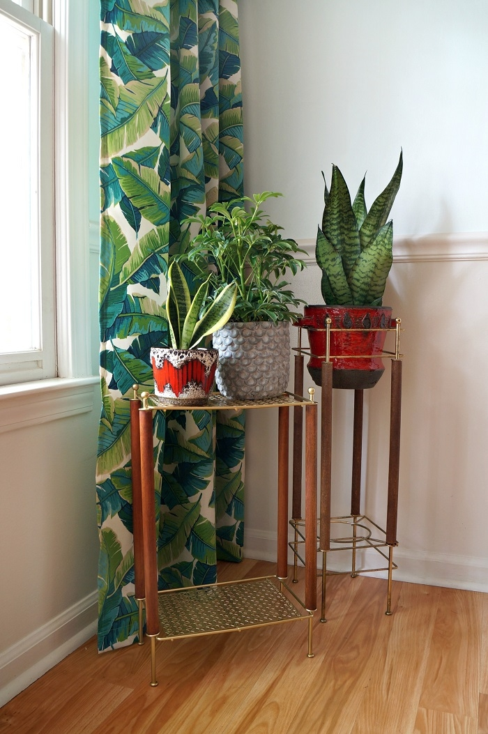 mid century plant stand makeover. Black Bedroom Furniture Sets. Home Design Ideas