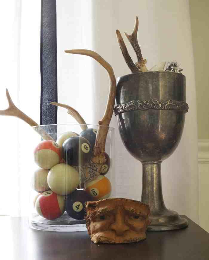 antlers-man-cave-pool-balls-maculine-decor