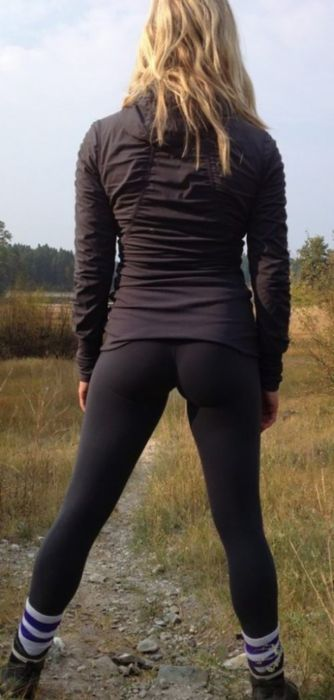 Slender girls in tight leggings (47 photos)