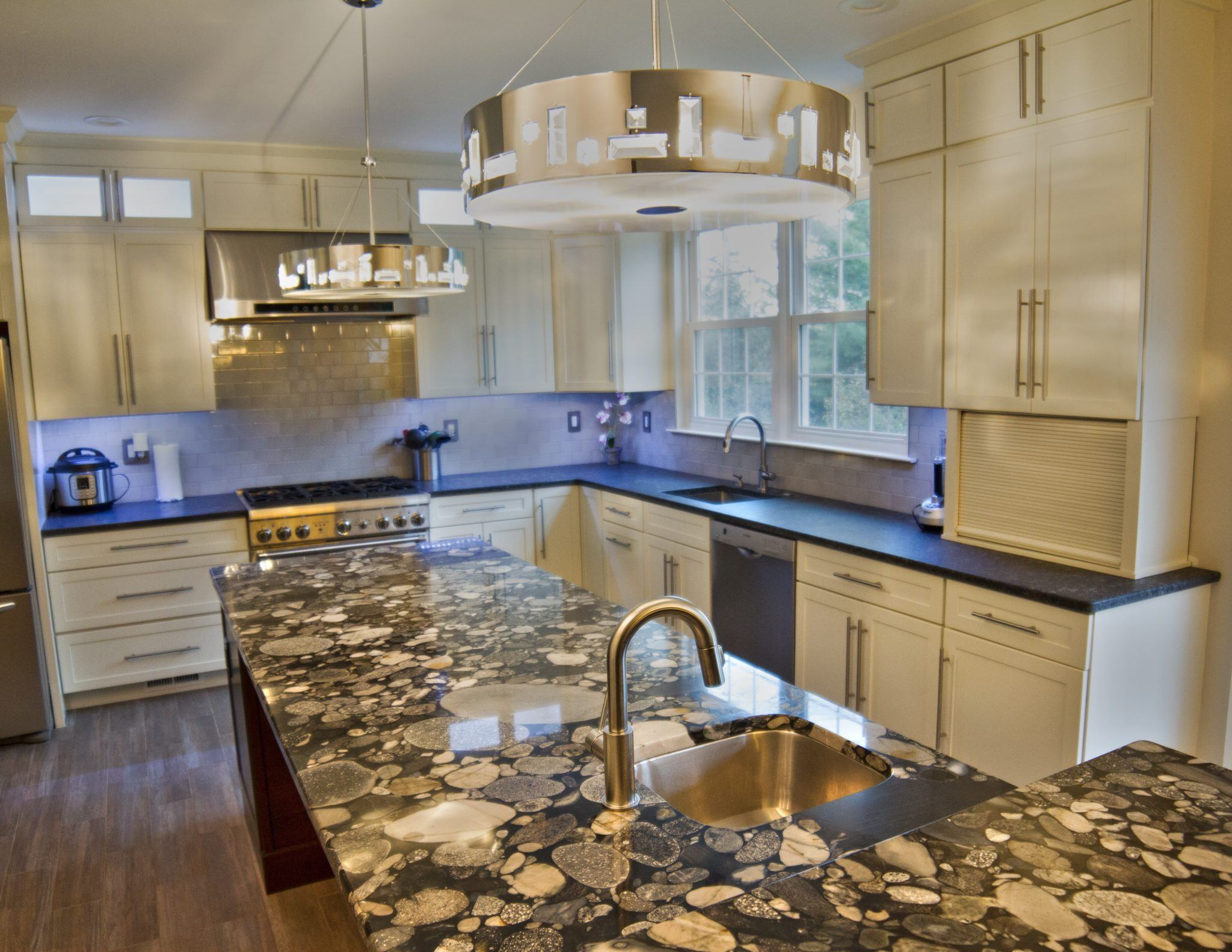 Quartz Countertop Prices Canada Different Kitchen Countertop Properties And Pricing
