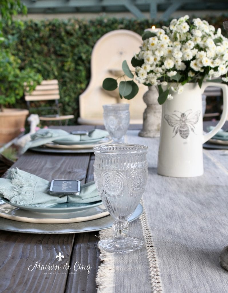 Six Tips For A Charming Simple Farmhouse Table Setting