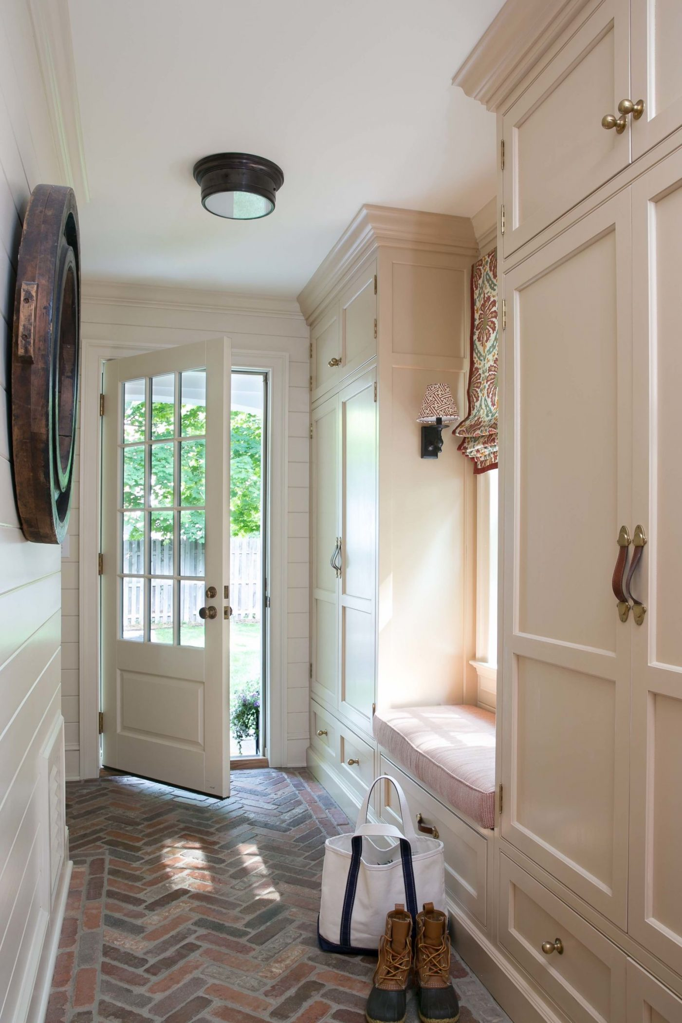 Armoire De Garage Mudroom Ideas: How To Design A Mudroom For Different